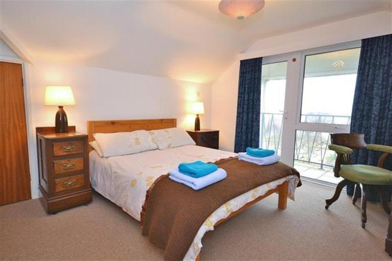 Bedroom in Bywater, Torcross