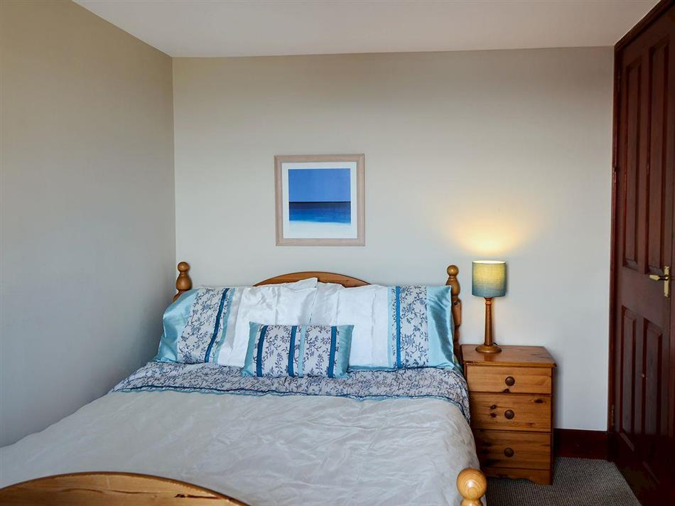 Bedroom in High Tide, Cellardyke near Anstruther