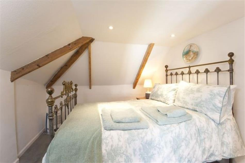 Bedroom in Little Thatch, Tregony