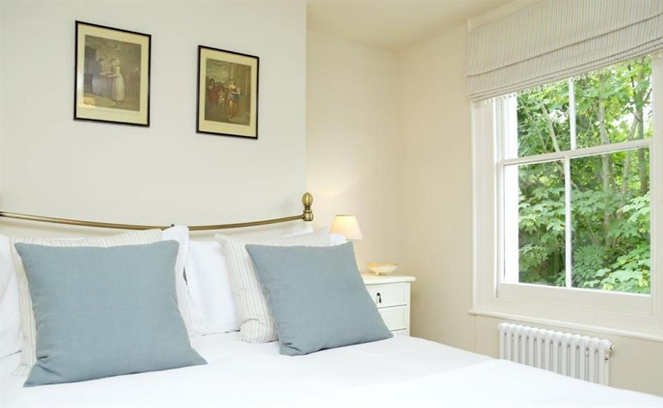 Bedroom in Two Doves Cottage, Canterbury
