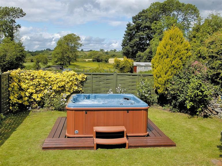 Garden and hot tub at Hall Garth, North Yorkshire