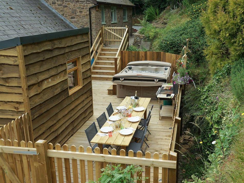 Hot tub at Burrills View, Horderley, near Craven Arms