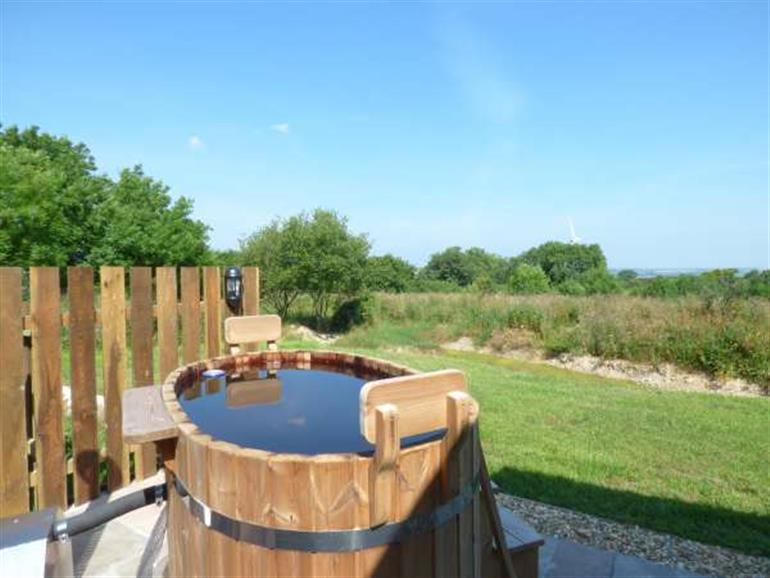 Hot tub at Willow, Burlawn near Wadebridge