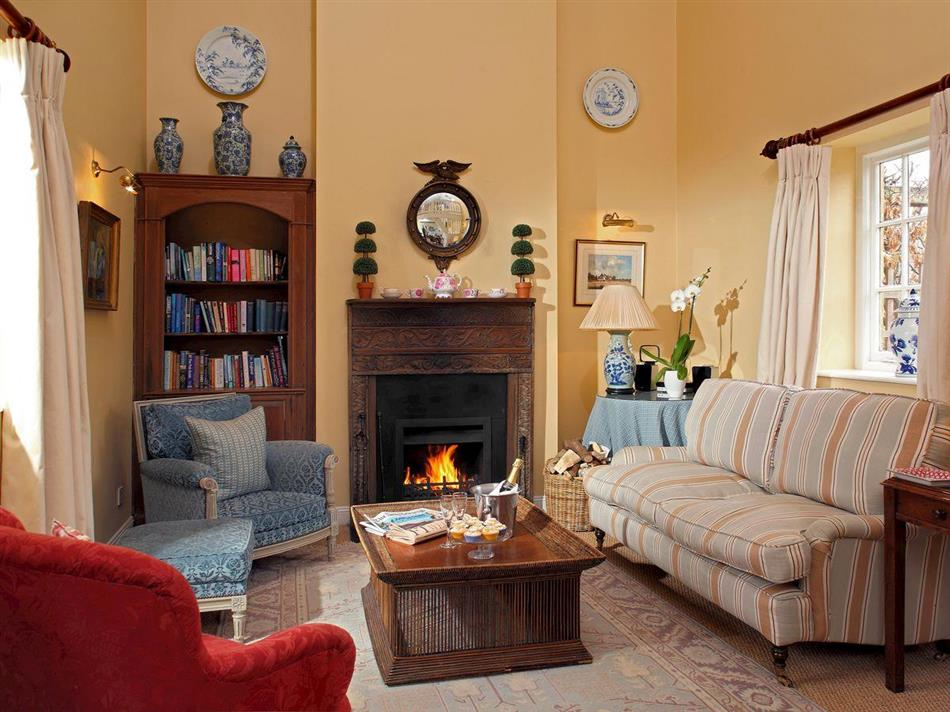 Living room in Bruern Holiday Cottages - Saratoga, Bruern, near Chipping Norton
