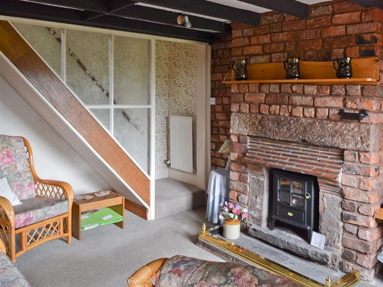 Living room in Delamere Cottage, Willington near Chester