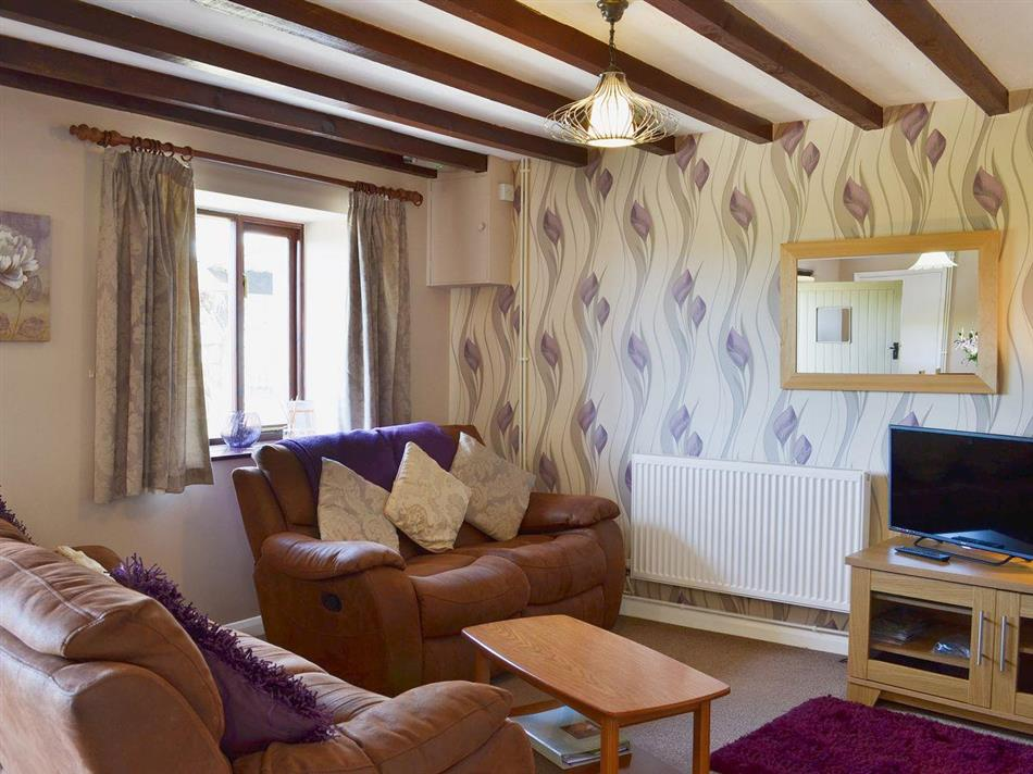 Living room in Twelve Oaks Holiday Cottages - Oak Leaves, Teigngrace near Newton Abbot