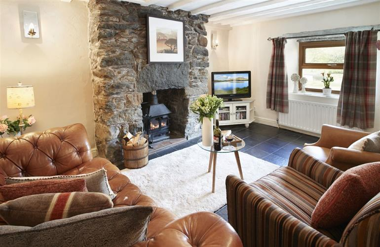 Living room in Ty Nant Cottage, Capel Celyn