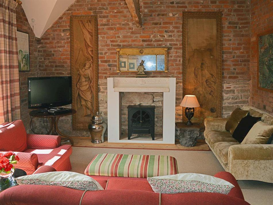 Upton Cressett Hall Cottages The Coach House Ref
