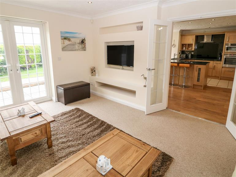 The living room at Meadow View in Llanfaelog
