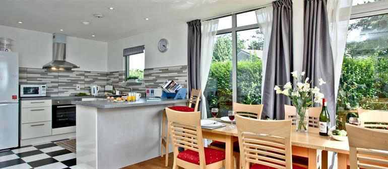 The kitchen in Tranquil, Looe