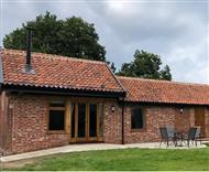 Dragonfly Cottage at River Farm in Earsham, Bungay