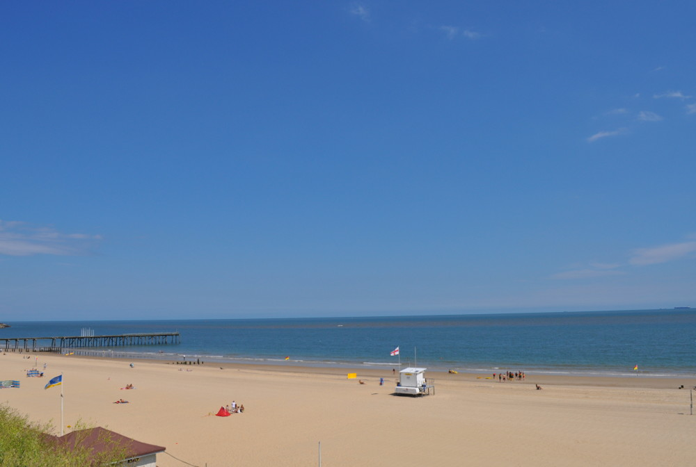 The gorgeous beaches of Lowestoft are 2 minutes walk from Ternstone House