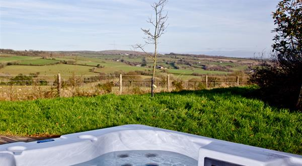 7 Horizon View, Southern Halt, Liskeard with hot tub