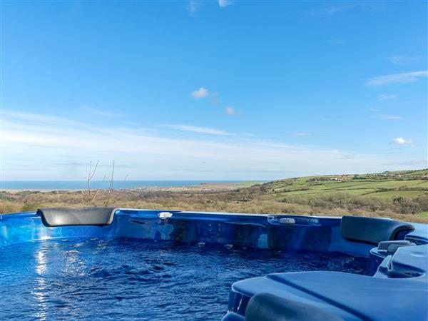 Amrosa, Staithes, near Whitby, Cleveland with hot tub