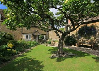 Apple Tree Cottage, South Cerney, Cotswold Water Park