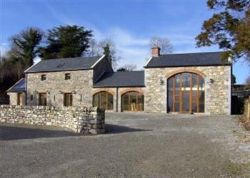 Ballyblood Lodge, Tulla, County Clare with hot tub