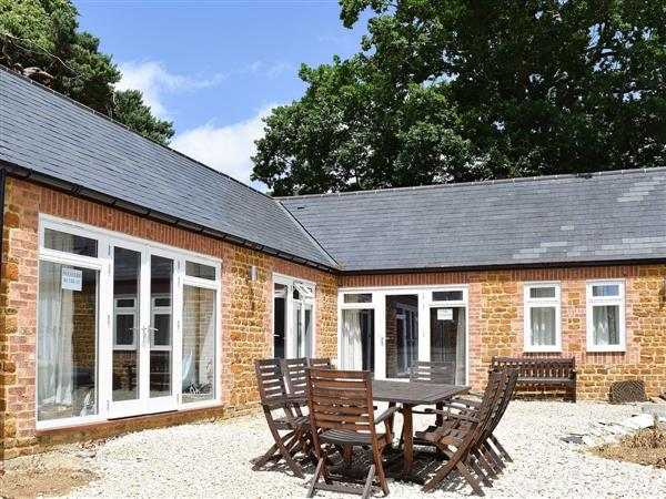 Bay Tree Cottage Accommodation - Foragers Cottage, Farthingstone, near Towcester, Northamptonshire