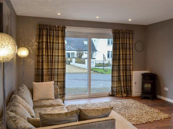 Carriage Cottage, Beith, near Dalry, Ayrshire with hot tub