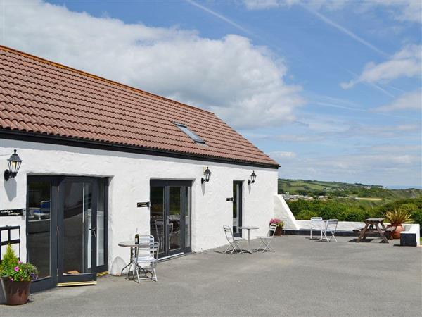 Celtic Haven Resort - Greenkeepers Cottage, Lydstep, near Tenby, Dyfed