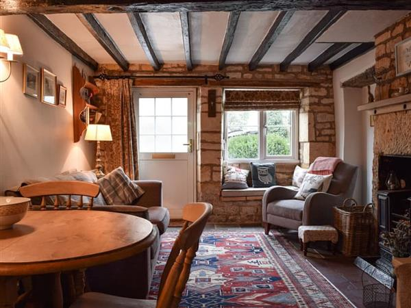 Cosy Cottage, Bourton-on-the-Hill, near Moreton-in-Marsh, Gloucestershire