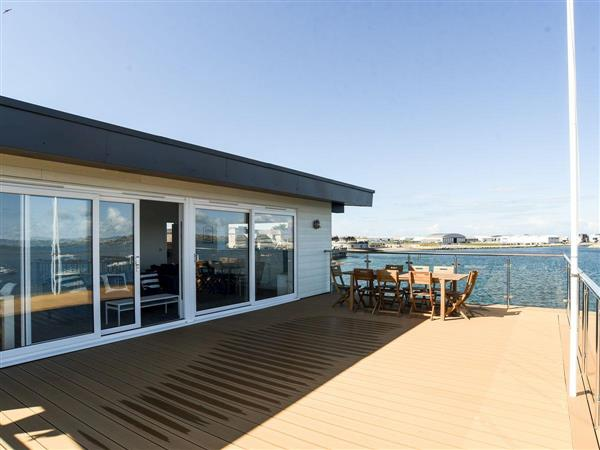 Crabbers Wharf - Commodores Penthouse Suite, Dorset