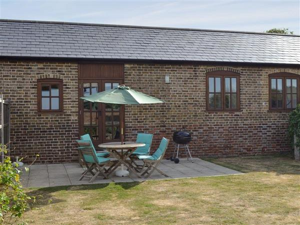 Decoy Farm Holiday Cottages - The Haybarn, High Halstow, nr Rochester, Medway