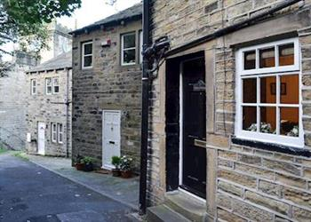 Eider Cottage, Holmfirth, West Yorkshire with hot tub