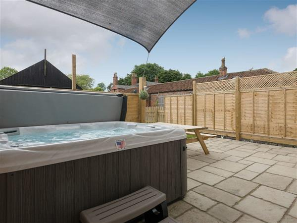 Haven View, Wainfleet St. Mary, near Skegness, Lincolnshire with hot tub