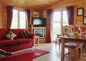 Hoe Grange Lodges - Daisybank, Brassington, nr. Matlock, Derbyshire with hot tub