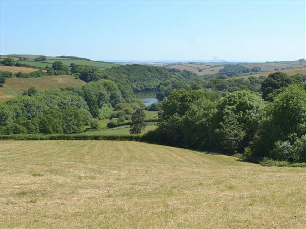Kingfisher Cottage, Nr Bideford, Devon., South West England with hot tub