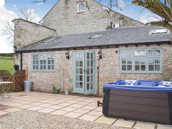 Lambs Lodge, Bradford-on-Tone, near Taunton, Somerset with hot tub