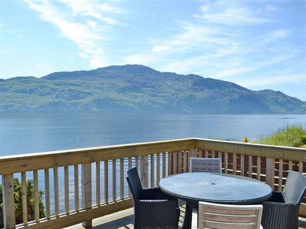 Loch Ness Lodges - Lodge 22, Invermoriston, near Fort Augustus, Inverness, Inverness-Shire with hot tub