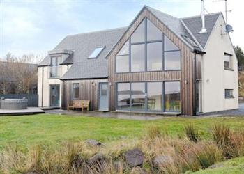 Locholly Lodge, Ullapool, Ross-Shire with hot tub