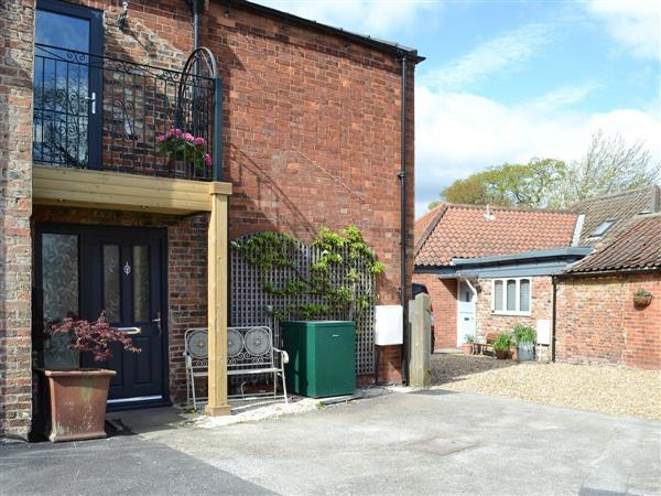 Lyngarth Mews, Escrick, near York, Yorkshire, North Yorkshire with hot tub