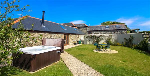 Manor Fletching, Porthallow, South West Cornwall with hot tub