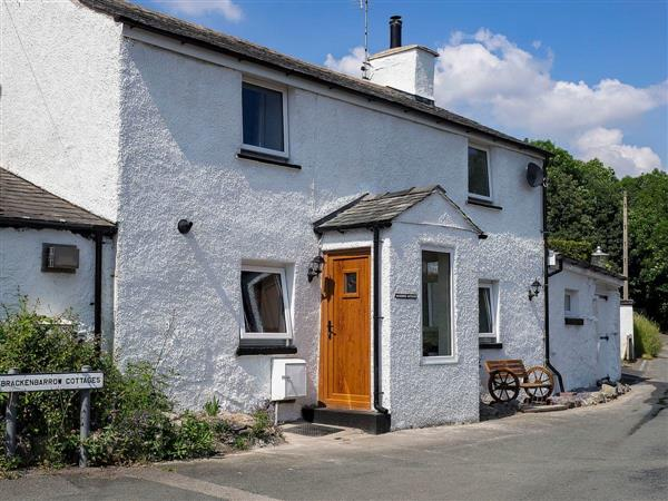 Mariners Cottage, Lindale, near Grange-over-Sands, Cumbria with hot tub