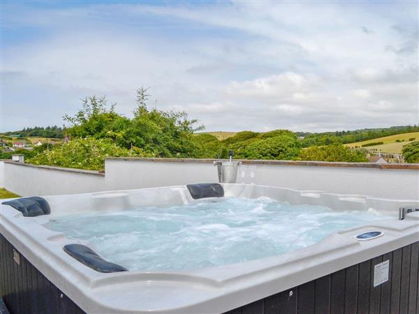 Military Drive - No 7 Military Drive, Portpatrick, near Stranraer, Dumfries and Galloway, Wigtownshire with hot tub