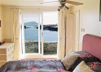 Misty Isles Cottage, Oban, Argyll with hot tub
