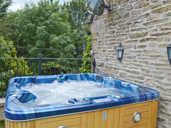 Moorhay Retreat, Wigley, near Chesterfield, Derbyshire with hot tub