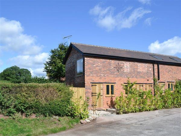 Old Castle Farm - Castle Keep, Middleton Scriven, near Bridgnorth, Shropshire with hot tub