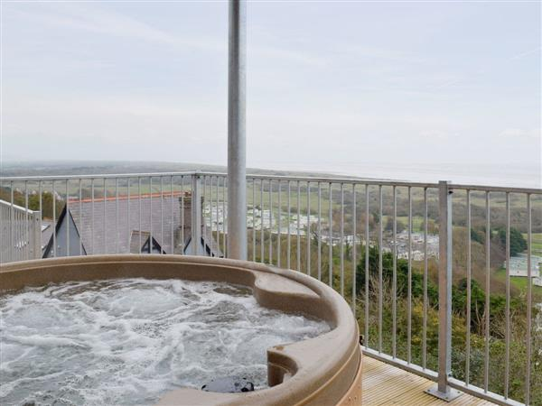 Pendine Manor Apartments - Dunesend, Pendine, near Laugharne, Carmarthenshire, Dyfed with hot tub