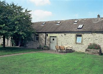 Poppy's Barn, Bakewell, Derbyshire with hot tub