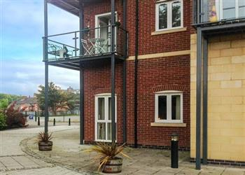 Racecourse Apartment, Chester, Wales