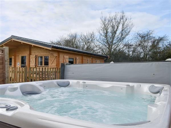 Robins Rest, Grundisburgh, near Woodbridge, Suffolk with hot tub