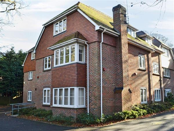 Room and Roof Serviced Apartments - Navigator Apartment 6, Hampshire