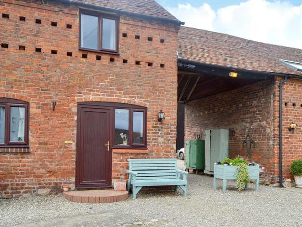 Ryton Farm Holiday Cottages - Violet, Dorrington, near Shrewsbury, Shropshire