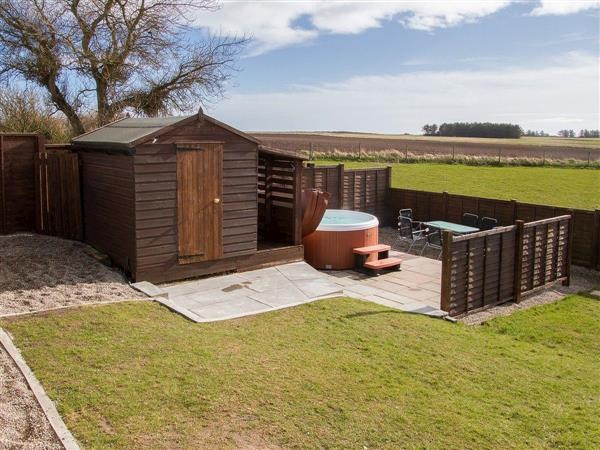 Sheaf Dale, Portmahomack, near Tain, Northern Highlands, Ross-Shire with hot tub