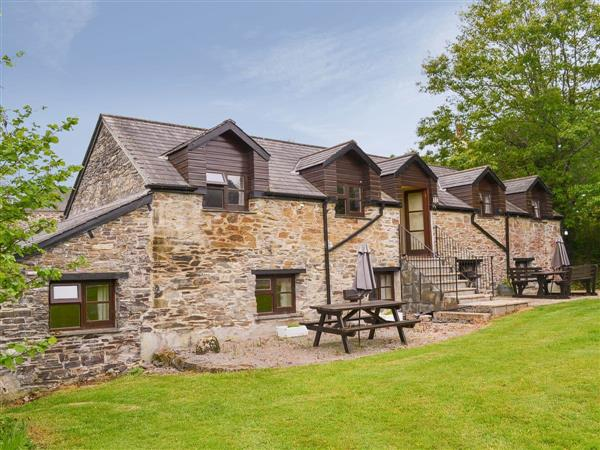 Sherrill Farm Holiday Cottages - Thyme, Dunterton, near Tavistock, Devon, South West England with hot tub