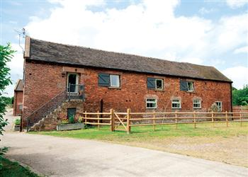 The Long Barn, Stoke-On-Trent, Staffordshire with Hot Tub