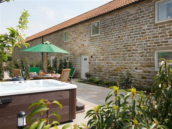 Thirley Cotes Farm Cottages - Oak Cottage, Harwood Dale, near Scarborough, Yorkshire, North Yorkshire with hot tub